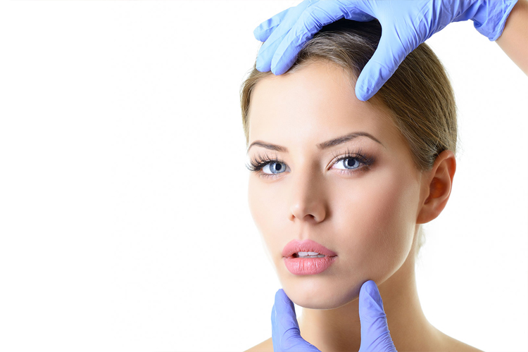 la-chirurgie-esthétique-du-menton-des-pommettes-et-du-cou-slide3