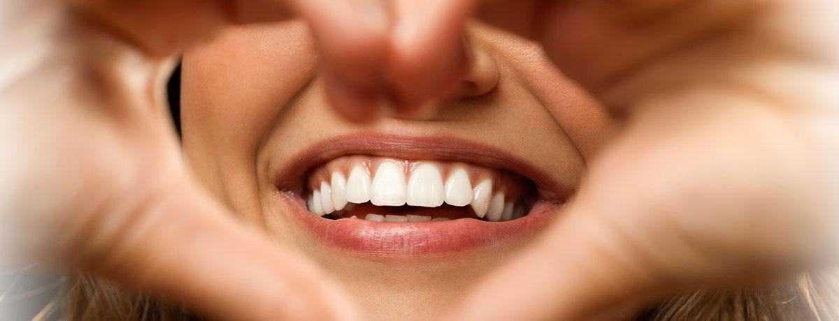 La-chirurgie-esthétique-du-sourire