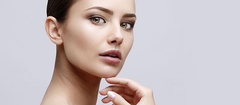 Peau de visage beaucoup plus ferme et plus jeune grâce à la Rhytidectomie !